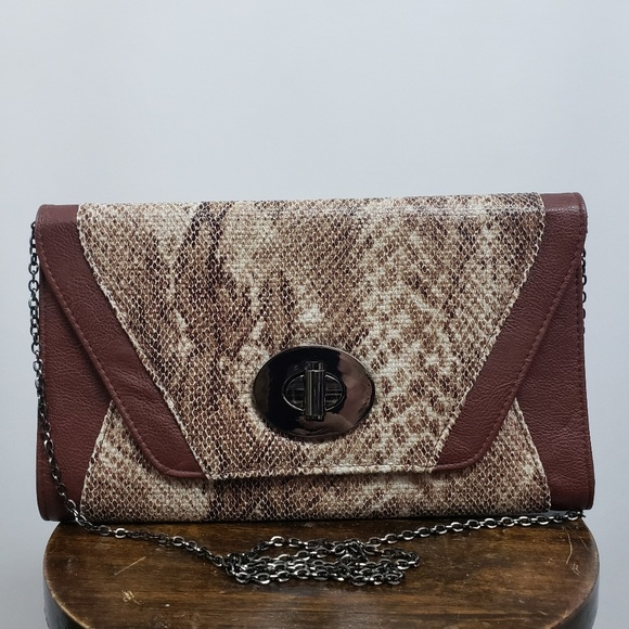 Urban Expressions Handbags - Urban Expression Snakeskin Envelope Clutch